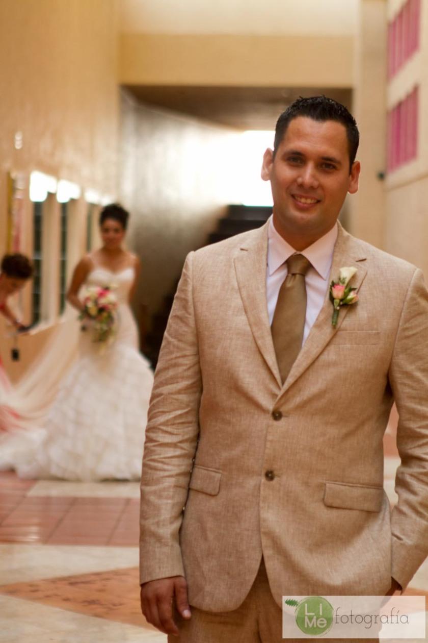 Foto de boda en Playa en Puerto Vallarta México por LiMe Fotografía