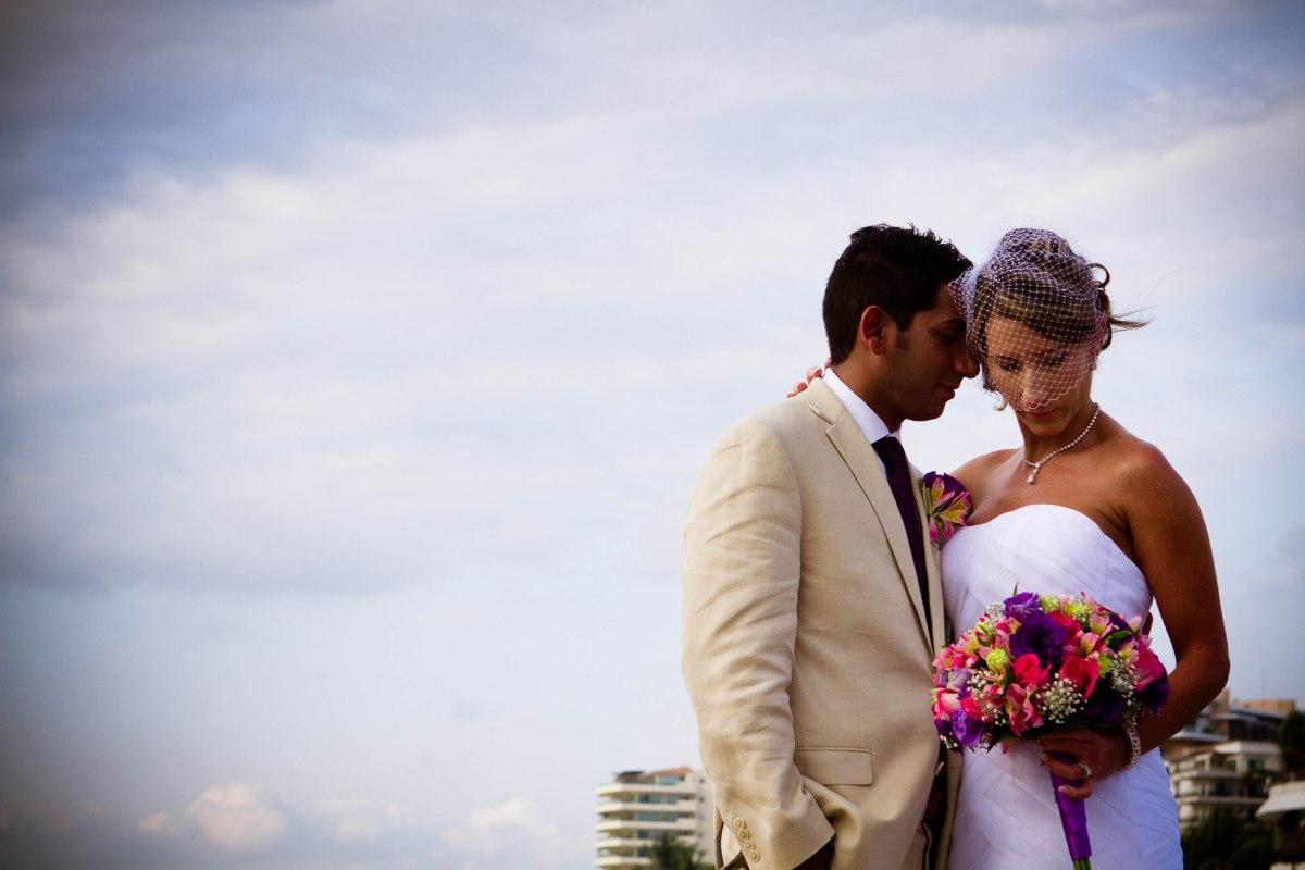 Stacey & Adolfo: Detalles muy coloridos Boda En Hard Rock Hotel Puerto Vallarta x Limefotografía