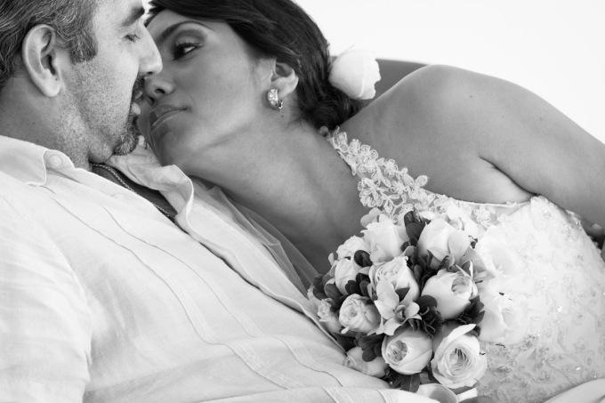 Lime Fotografía de bodas en Puerto Vallarta , Jalisco , Nuevo Vallarta, Riviera Nayarit Lifestyle Foto de bodas en playa Beach Wedding photography Bride Groom Romance Portrait