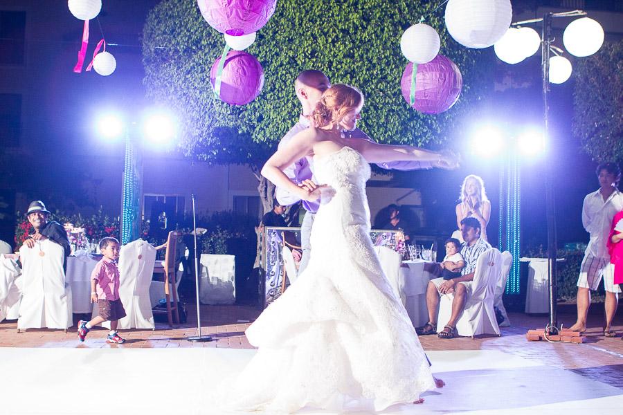 e+s destination beach wedding photography at Velas Resort Puerto Vallarta by LiMe fotografia