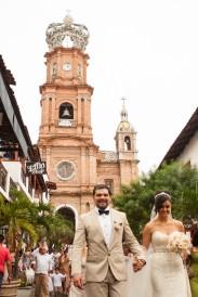 Puerto Vallarta beach wedding photography at Velas Resort by LiMe fotografia Raul Perez Amezquita Puerto Vallarta Downtown Church