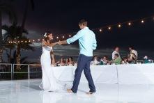 Puerto Vallarta beach wedding photography at La Mansion Puerto Vallarta by LiMe fotografia Raul Perez Amezquita first dance