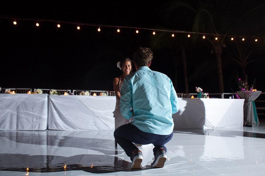 Puerto Vallarta beach wedding photography at La Mansion Puerto Vallarta by LiMe fotografia Raul Perez Amezquita fun bride