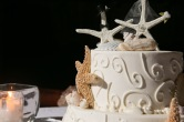 Intimate Puerto Vallarta beach wedding cake photography LiMe fotografia at Le Kliff restaurant