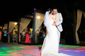 LiMe fotografia de Bodas en Puerto Vallarta Beach Wedding photographer Westin resort L y J_1410252107