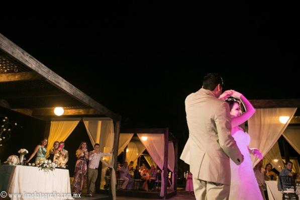 LiMe fotografia de Bodas en Puerto Vallarta Beach Wedding photographer Westin resort L y J_1410252108