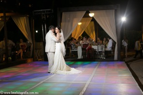 LiMe fotografia de Bodas en Puerto Vallarta Beach Wedding photographer Westin resort L y J_1410252111
