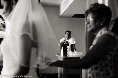 Lime Fotografia de boda en playa Puerto Vallarta Beach Wedding photography Club Regina_021415__Blanca+Carlos_1754-8