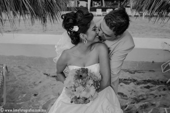 Lime Fotografia de boda en playa Puerto Vallarta Beach Wedding photography Club Regina_021415__Blanca+Carlos_1849