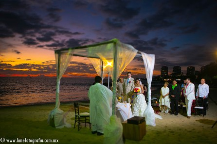 Lime Fotografia de boda en playa Puerto Vallarta Beach Wedding photography Club Regina_021415__Blanca+Carlos_1923-3