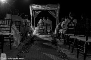 Lime Fotografia de boda en playa Puerto Vallarta Beach Wedding photography Club Regina_021415__Blanca+Carlos_1938-4