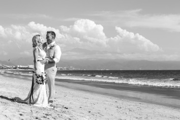 Villa del Palmar Flamingos Nuevo Vallarta Wedding Beach Photographer AM_1504181625-2