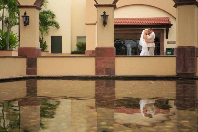 Fotos de boda en Playa en Nuevo Vallarta, Riviera Nayarit. Lime fotografia fotógrafo profesional Hotel Villa del Palmar fotos románticas