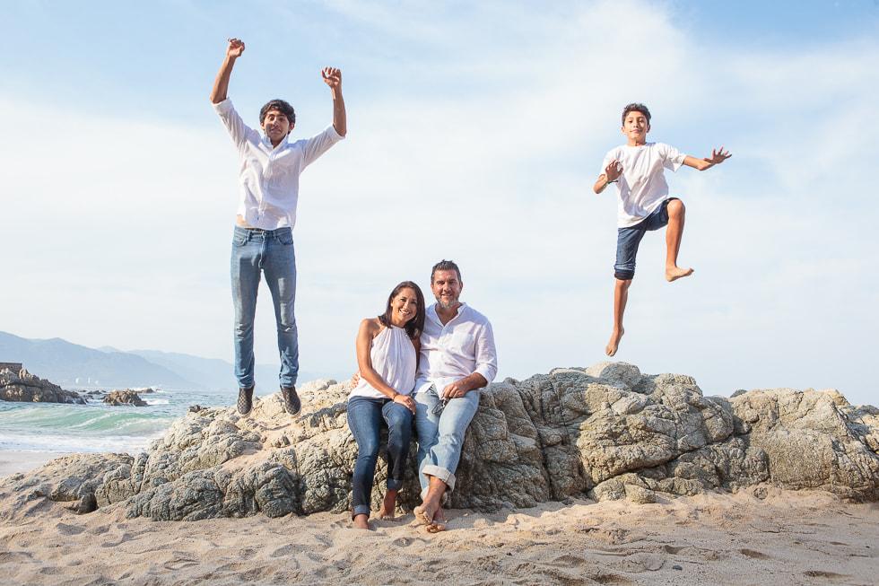 Beach family pictures Puerto Vallarta LiMe fotografia8