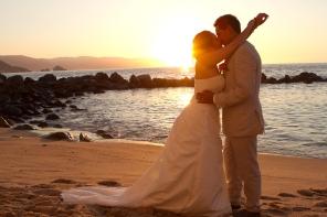 Romanticas fotos de boda en Playa Puerto Vallarta